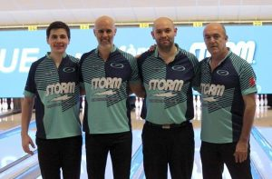 L'equip de Lluís Montfort en l'Open Storm International 4 Team de Bowling.